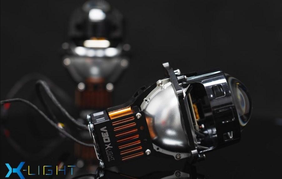 Mặt ngang của Bi Led X-Light V30 Ultra