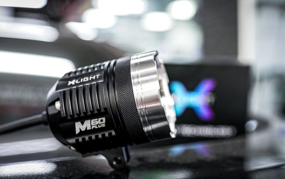 Mặt ngang siêu ngầu của đèn trợ sáng X-Light M60 Plus