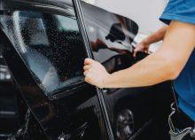 Dán phim cách nhiệt 3M IR15 kính sườn giúp chống nóng hiệu quả cho xe hơi