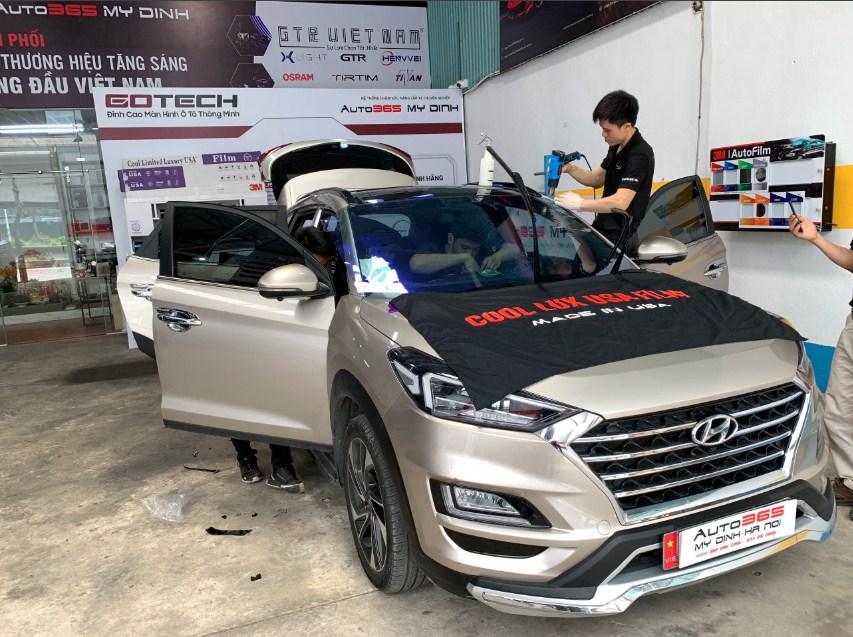 Muốn dán phim cách nhiệt cho xe ô tô uy tín anh em hãy đến Auto 365 Mỹ Đình - Hà Nội