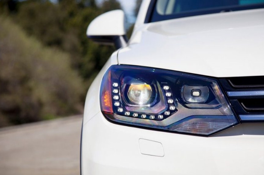 Độ đèn xe giúp xe dễ dàng di chuyển trong những cung đường tối