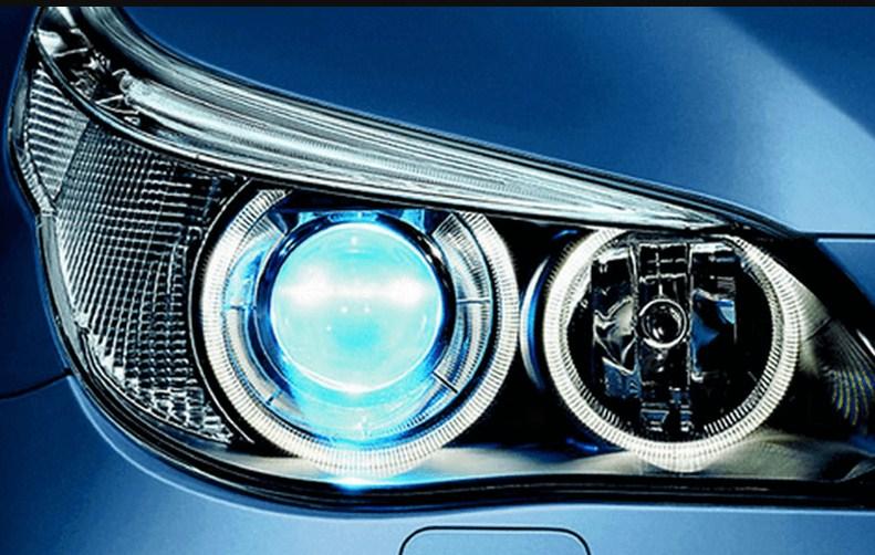 Độ đèn xe Toyota Innova giúp khuếch tán ánh sáng và tăng khả năng quan sát