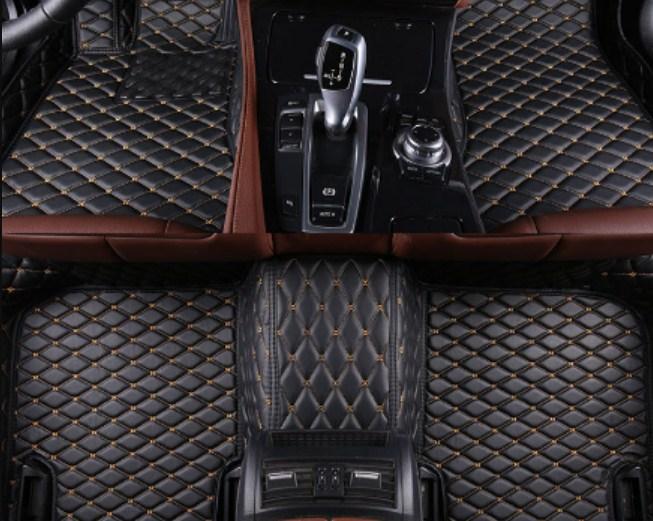 Trải thảm sàn giúp xe luôn sang trọng và rất phù hợp với các gia đình có trẻ nhỏ