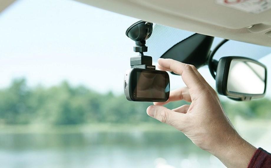 Lựa chọn lắp đặt camera hành trình cho xe ô tô giúp lái xe an toàn hơn