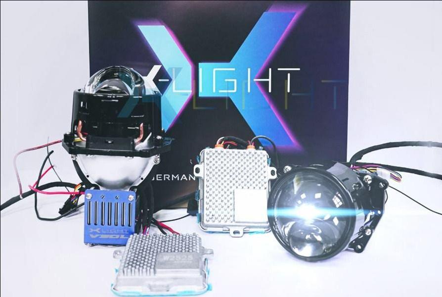 Đèn laser tạo nên từ các tia laser dựa trên sự khuếch đại ánh sáng bằng bức xạ